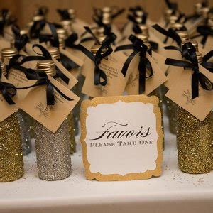 simple takehome gifts to make for guests at chridtmas dinner 25 wedding favors your guests will bridalguide