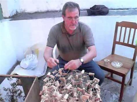 rbol de navidad con tapones de corcho como hacer un 225 rbol de navidad con tapones de corcho y