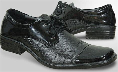 Sepatu Pantovel Pria Hitam tas sepatu model sepatu formal pria terbaru
