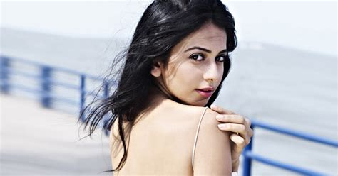 biography of movie yaariyan bollywood pics pix4world rakul preet singh yaariyan movie