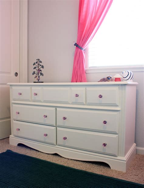 update a dresser the sassy pepper craigslist dresser update