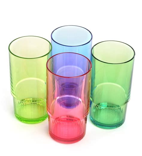 tupperware deluxe tumbler set of 4 by tupperware tumblers kitchen dining