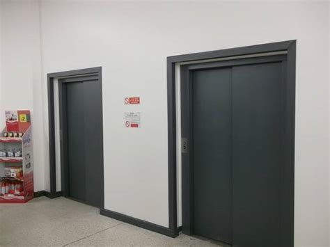 Airlift Doors by Lift Door Spray Painting Electrostatic Ceilcote Paint