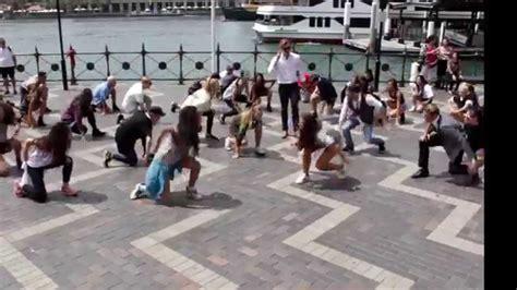 tutorial dance flash mob crazy uptown funk flashmob in sydney youtube