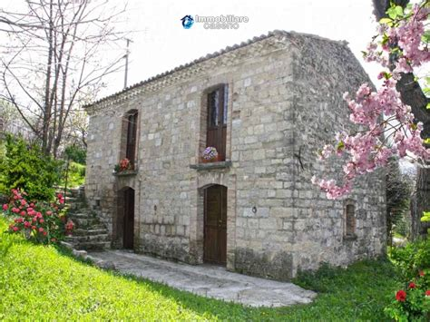 cottages in italy characteristic cottage for sale located in roccaspinalveti