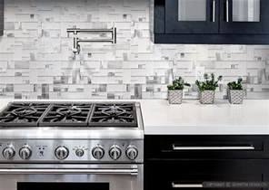 Aluminum Backsplash Kitchen by Modern White Glass Metal Backsplash Espresso Kitchen Cabinet