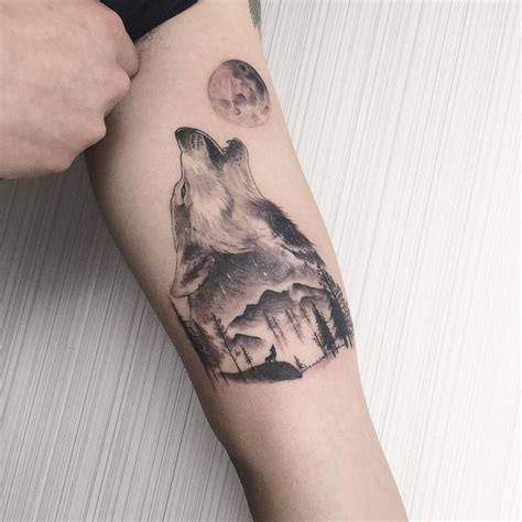 wolf howling at moon tattoo 57 wolf designs for and with meaning