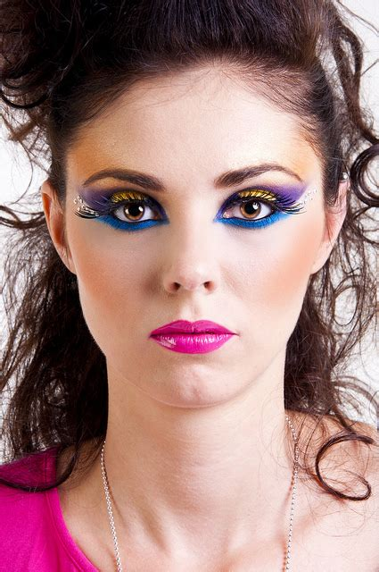 Make Up For Women In Their 70 | 22 styles and 70s disco makeup ideas and tips 2015