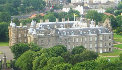 holyrood house holyrood palace simple english wikipedia the free encyclopedia