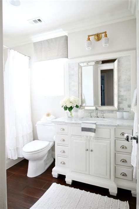 Bathroom Ideas Small White 17 Best Ideas About Small White Bathrooms On