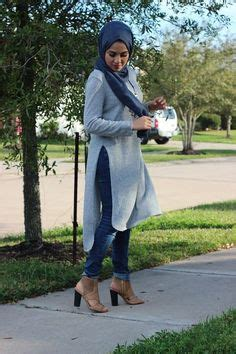 Buto Jaket hijabi fashion jean dress white sneakers hijabi