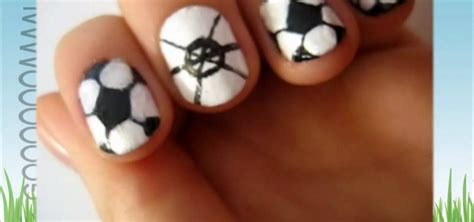how to paint your nails like soccer balls for the world