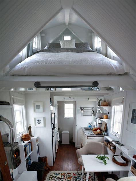 dachschräge schlafzimmer dachschr 228 ge schlafzimmer satteldach maisonette wohnung