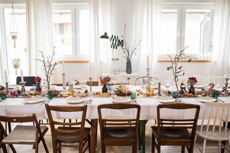 dekorieren kleiner speisesaal herbstliche tischdeko leelah