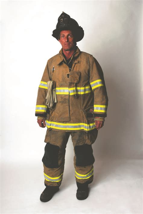 picture of a fireman local fireman dedicates to his work news sports