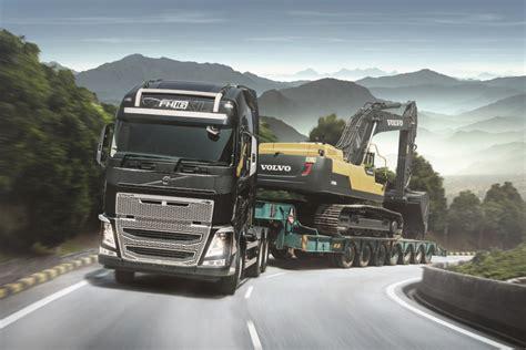 volvo trucks celebrates  anniversary  record truck delivery carsifu