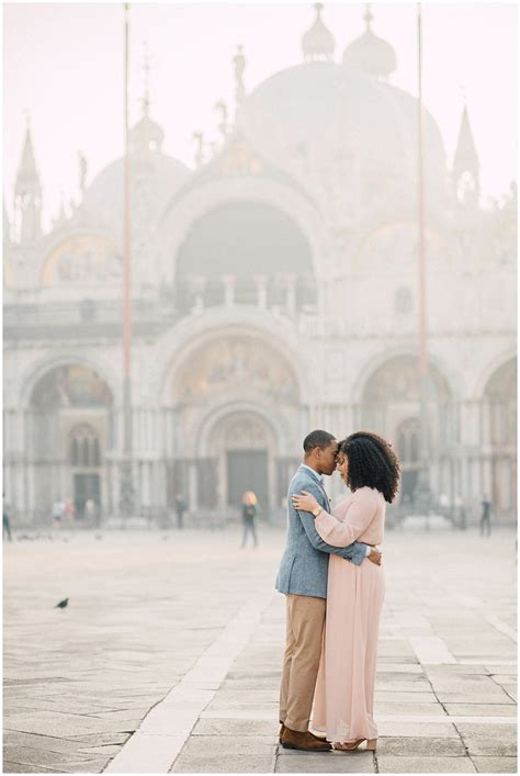 Fine art Engagement photographer in Venice   Italy