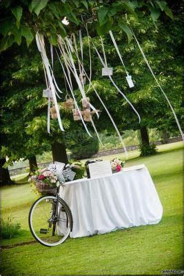 allestimento matrimonio in giardino un simpatico allestimento per il matrimonio in giardino