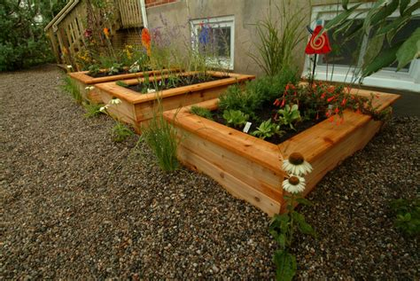 Bed Planter by Why You Need A Raised Planter Bed In Your Backyard Eieihome