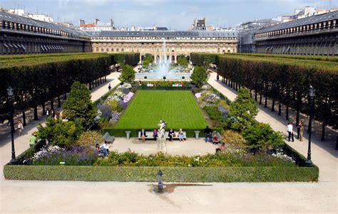 jardin du palais royal cocktail d une nuit d ete dans les jardins du palais royal