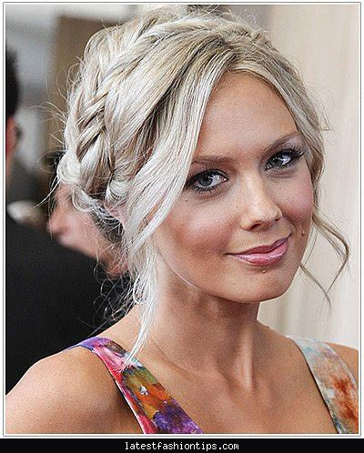 casual updos round faces best updo hairstyles for round faces latestfashiontips com
