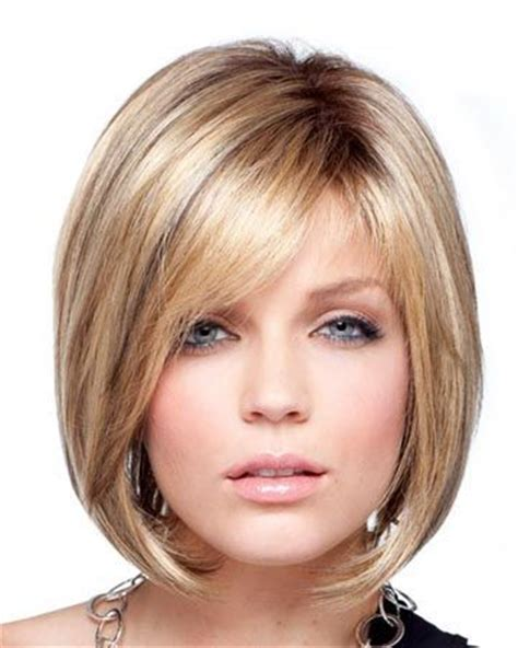 face framing bob short stacked in the back chin length bob with side bangs google search yessss