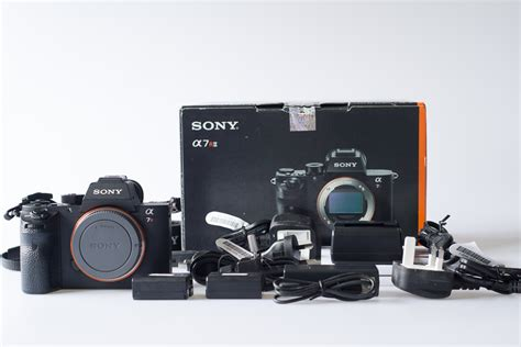 Berapa Kamera Leica dijual kamera leica q dan compact sony rx100 ii