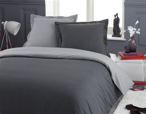 housse couette grise l importance du linge de lit