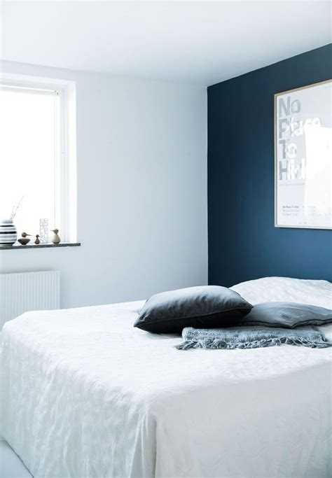 25 best blue accent walls ideas on midnight blue bedroom neutral home office paint