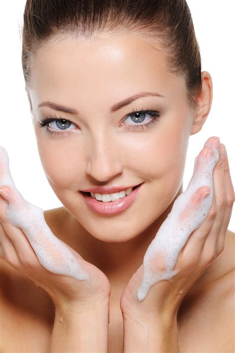 Detox Your Makeup by Torricelumn The Importance Of Removing Your Make Up