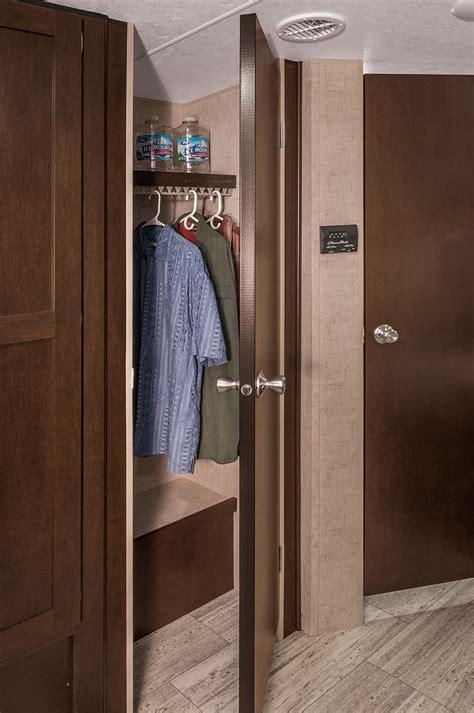 Rv Closet Doors 2017 Sportsmen Le 291bhle Travel Trailer K Z Rv