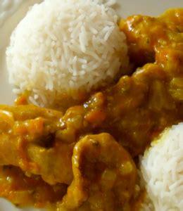 come cucinare pollo al curry come preparare il pollo al curry la ricetta tecnichef