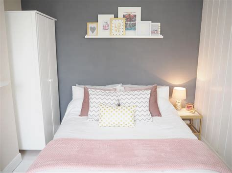 Babyzimmer Rosa Grau by Pink Grey Bedroom Makeover On Style