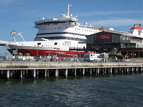 pier port melbourne port melbourne suburb information socialpropertyselling