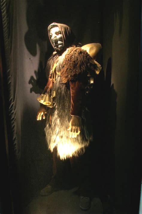 mamoiada testo mamoiada maschere tradizionali in una comunione tra