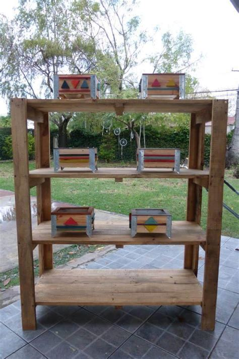 Diy Pallet Shelves With Containers 99 Pallets Wood Pallet Shelves