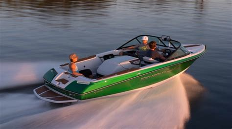 direct drive boat choosing a boat ski and wakeboard boat pros and cons