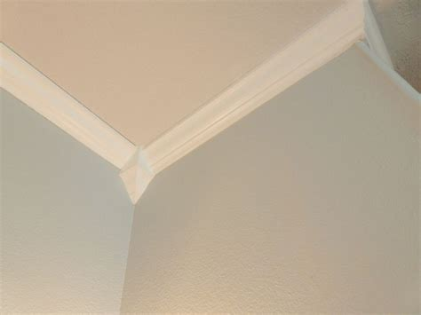 Bathroom Crown Molding Ideas | crown molding bathroom ideas for home renovations