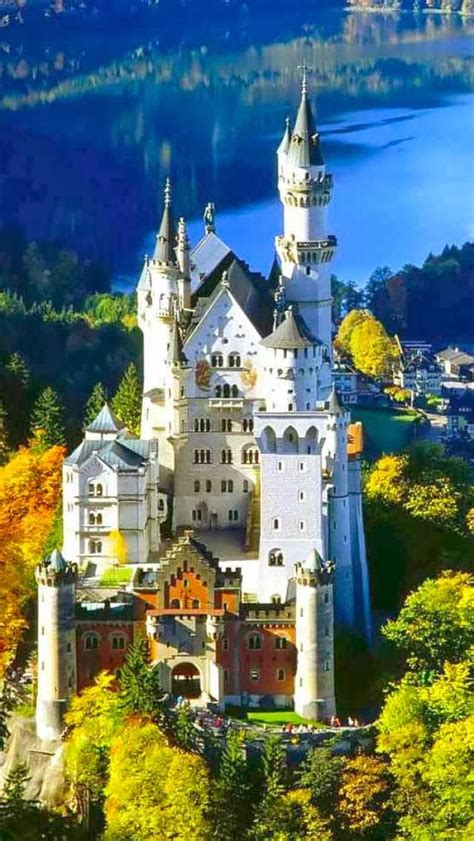 beautiful castles 10 most beautiful castles around the world