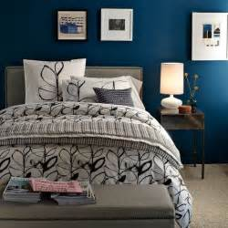 bedrooms painted blue bedroom on pinterest blue accent walls midnight blue