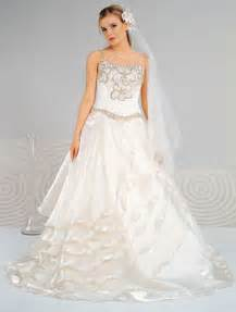 hairstyle looks beautiful and difeerent cheap wedding dresses