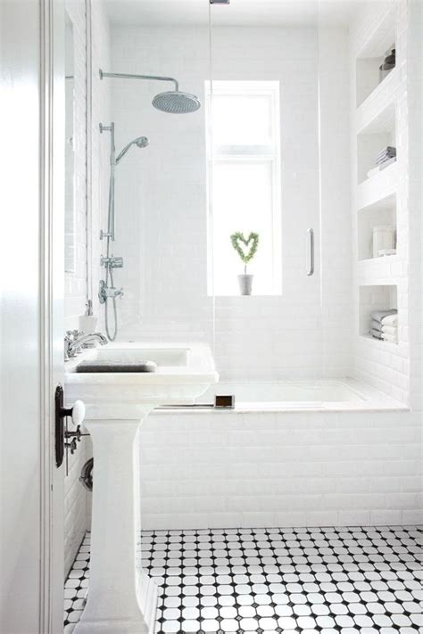 Small Black And White Bathroom Ideas by Comment Agrandir La Salle De Bains 25 Exemples