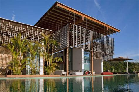 Contemporary House Plans casa en la selva atl 225 ntica de brasil candida tabel