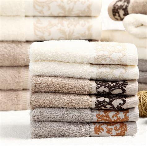 Terry Palmer Enchanted Towel Beige berapa waktu ideal untuk mencuci handuk