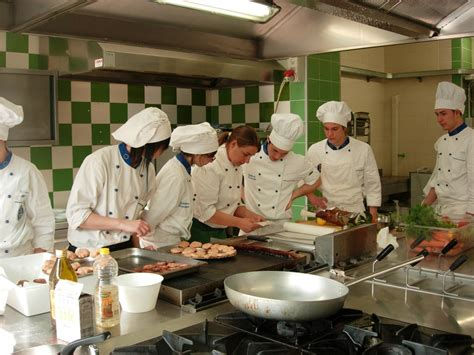 scuole di cucina napoli riviera oggi 187 l alberghiero soffoca alcune classi
