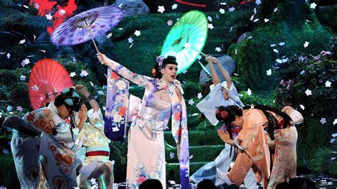 images of katy perry gzsihai com katy perry s geisha inspired amas performance stirs