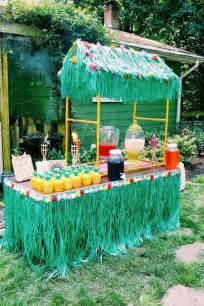 Backyard Luau Ideas Best 25 Luau Ideas On Tiki Luau Theme And Hawaiian Luau