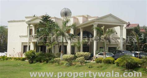 Duplex House For Sale 7 bedroom farm house for rent in chattarpur new delhi