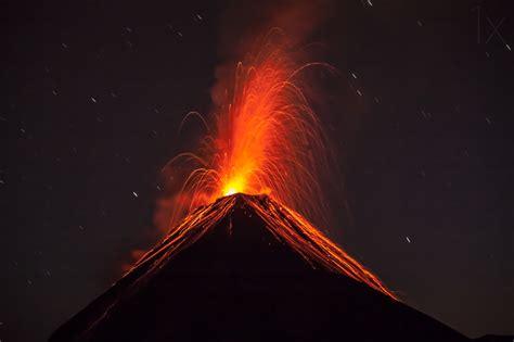 imagenes de desastres naturales volcanes volc 225 n de fuego guatemala by adrian rohnfelder frikkin