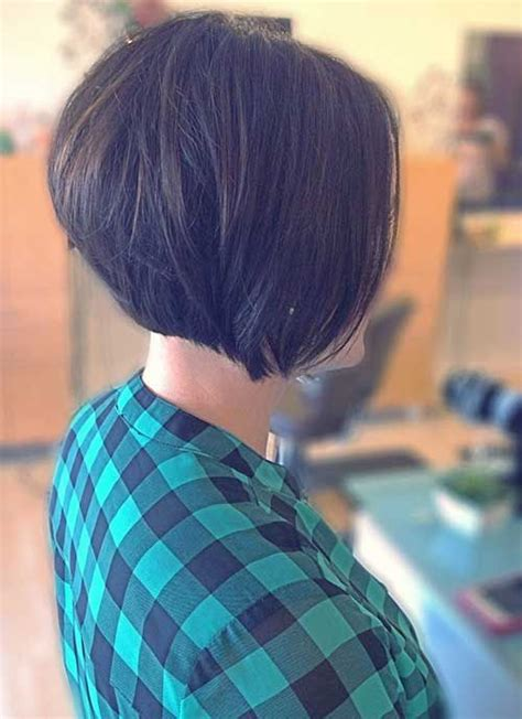 diy cutting a stacked haircut 25 best ideas about layered bob short on pinterest